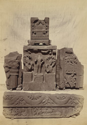 Sculpture fragments from Mathura 1003841